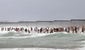 Muro en Playas de Tijuana