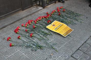 Acción solidaria frente al Consulado de México en Barcelona, 22 de diciembre 2014.